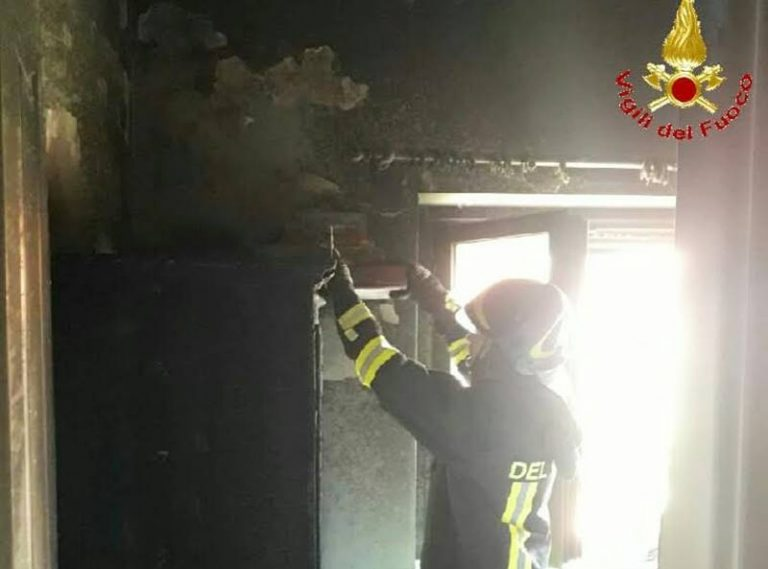 Incendio in un'abitazione a Pizzo, in fiamme casa-vacanze in un residence