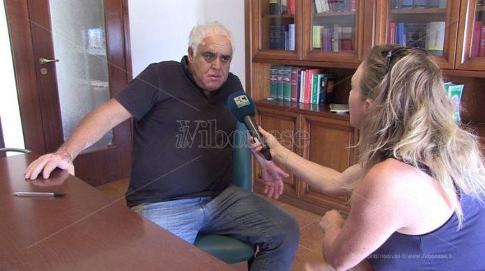 L'intervista ad Accorinti nello studio del suo avvocato