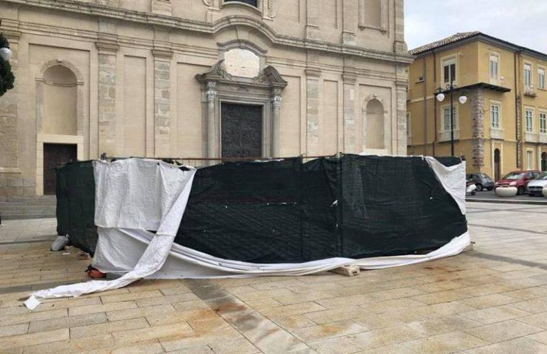 """""""Sarcofago"""" a San Leoluca e monumento a Luigi Razza nel degrado, doppia interrogazione di Policaro"""
