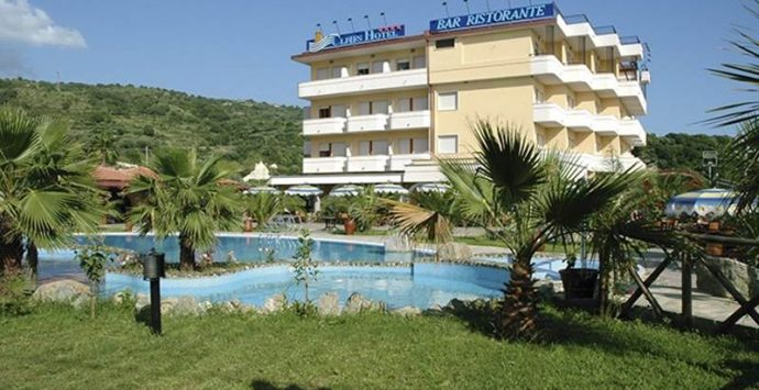 Joppolo: Cliffs Hotel, il Tar annulla la revoca del Comune per il subentro nell'immobile