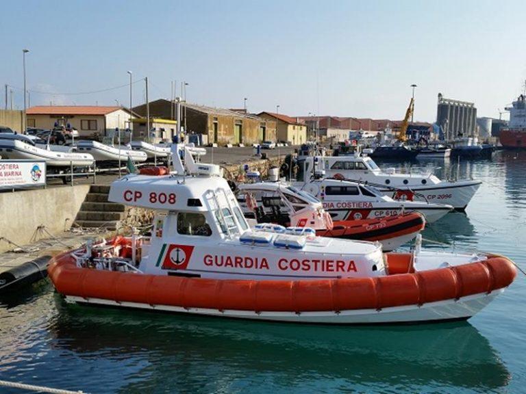 Palangaro illegale sequestrato dalla Guardia costiera nel Vibonese