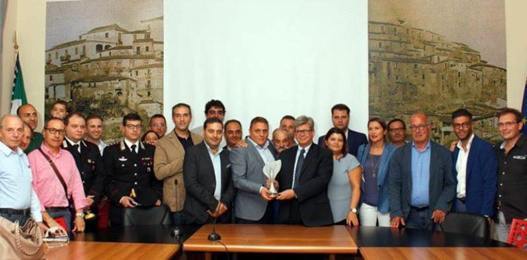 Moda sostenibile: Monterosso Calabro festeggia l'Oscar in paese (VIDEO)