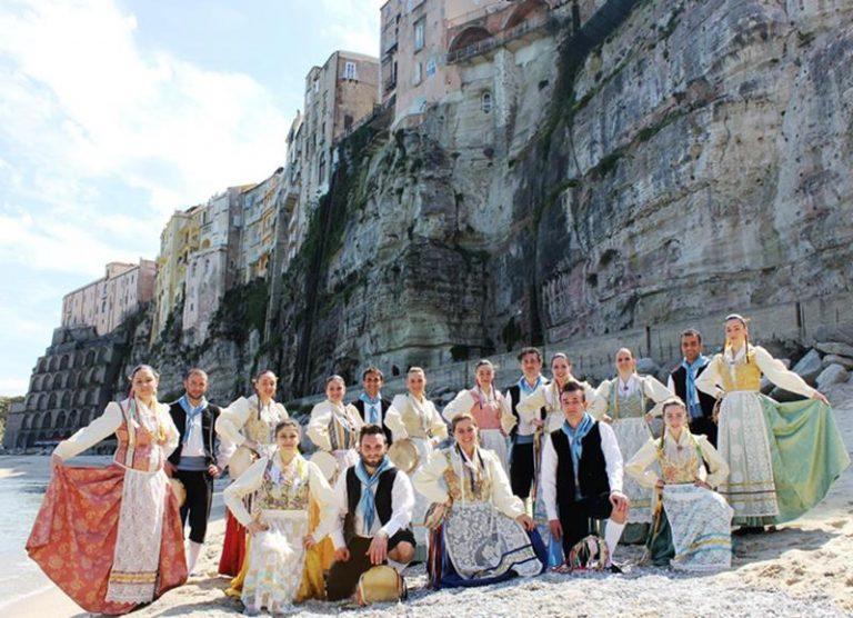 Il gruppo Folk di Tropea sbarca in Sardegna a rappresentare la Calabria