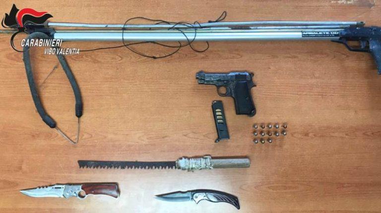 Armi in casa a Nicotera, due fratelli lasciano i domiciliari