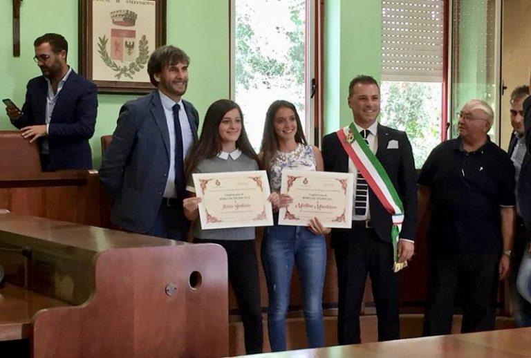 """Stefanaconi, studentesse modello premiate con la """"Borsa di studio Vincenzo Morelli"""""""