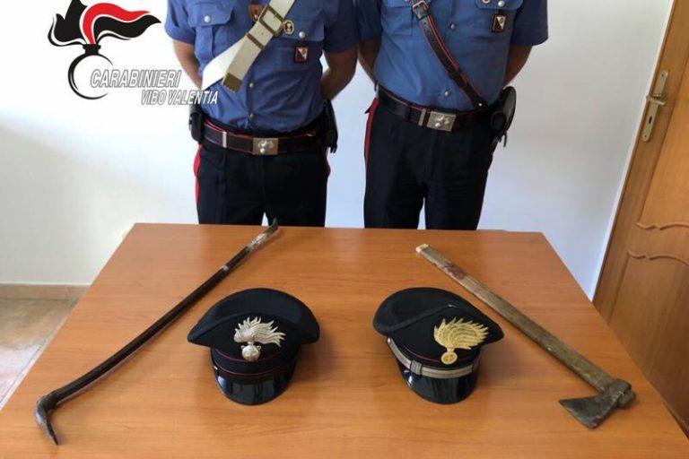 Ladro sorpreso dai carabinieri nel Vibonese con accetta e piede di porco