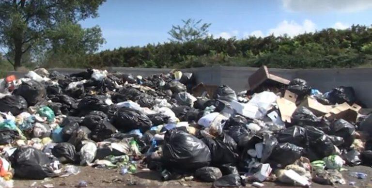 Discarica abusiva a Caroniti: la ditta che non si è accorta del disastro incaricata di rimuovere i rifiuti