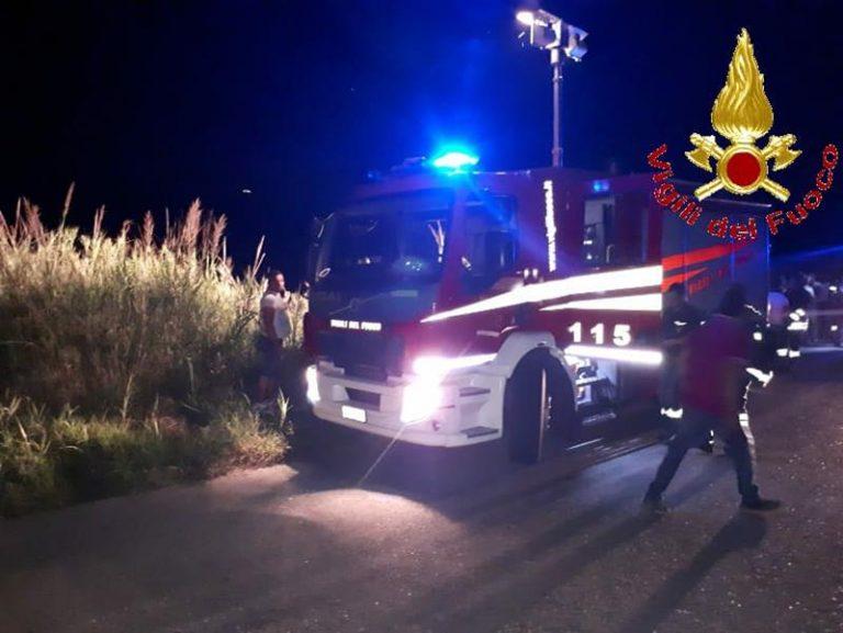 Incidente stradale a Polia, automobilista resta incastrato nell'auto