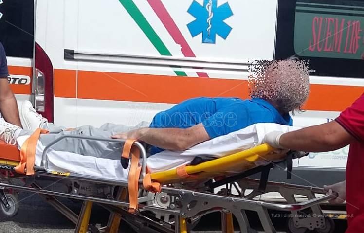 Cade in strada a Bivona e si ferisce al volto e alla testa