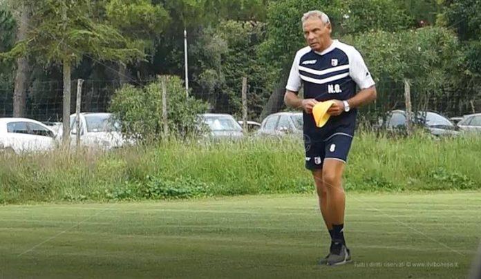 Mister Nevio Orlandi in allenamento