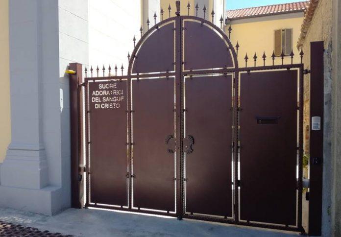 Il cancello delle suore resterà sbarrato