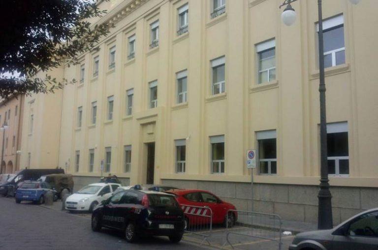 Pistola dentro casa, due arresti dei carabinieri a Nicotera
