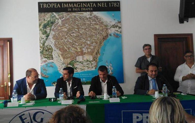 Turismo, il ministro Centinaio a Tropea: «Impensabile una Regione senza assessorato»