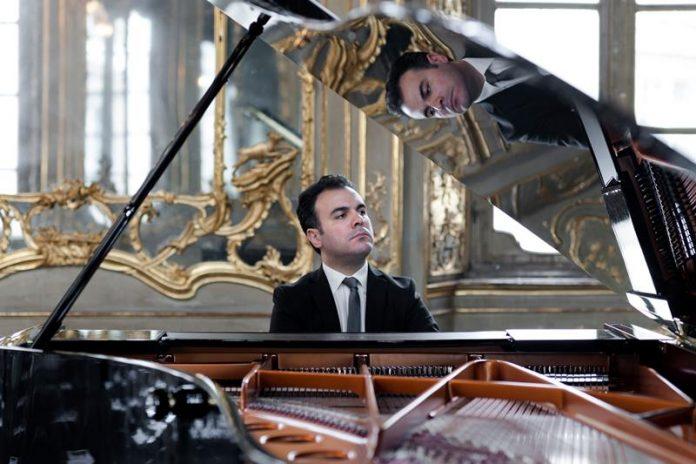 Il pianista Roberto Giordano