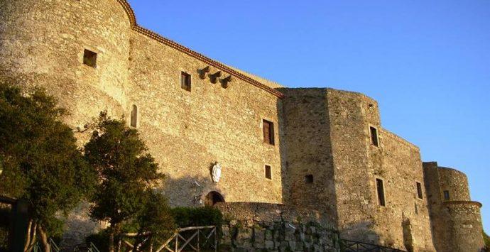 """Castello Vibo, """"Frammenti d'Anima"""": sabato di scena il libro di Petullà"""