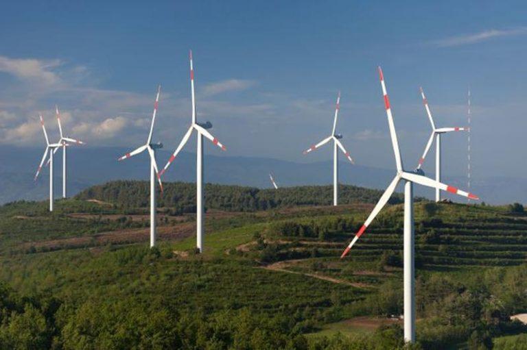 Parco eolico a Monte Coppari, il Wwf ironico: «Porterà turismo»