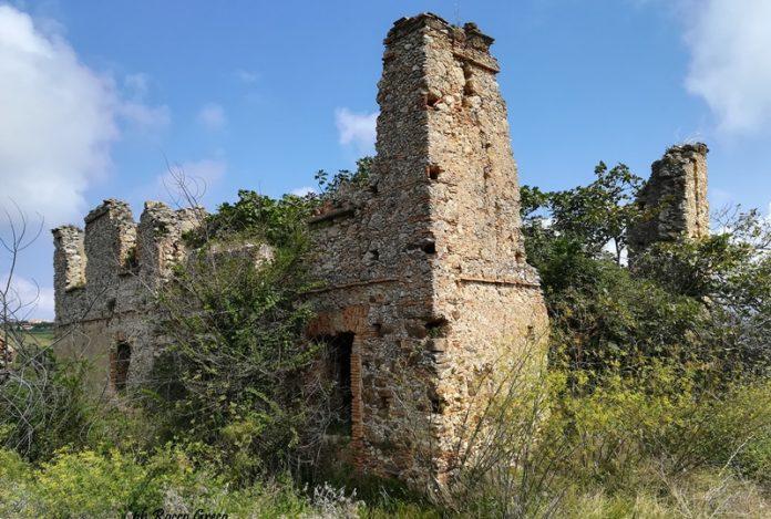 I resti dell'antica Rocca Angitola