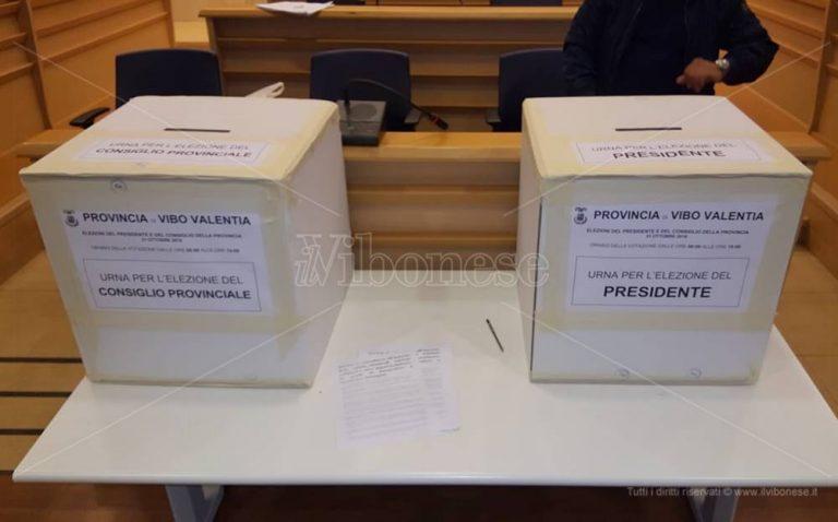 Voti al centrodestra, al via il procedimento disciplinare contro i consiglieri Pd di Vibo