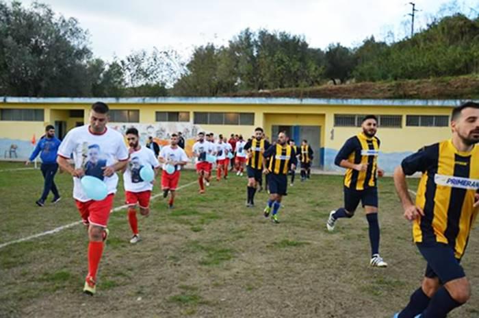 Filandari, la squadra di calcio omaggia Francesco Vangeli ad un mese dalla scomparsa – Video