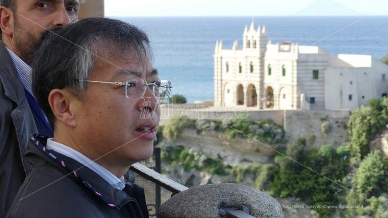 Tropea, arriva il ministro cinese: «Qui per rafforzare i rapporti commerciali»