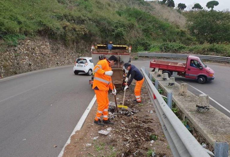 L'Anas e il Comune di Vibo ripuliscono la Statale 18 dai rifiuti abbandonati – Video
