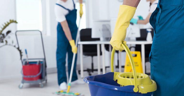 Subappalti nella Pubblica amministrazione, addetti alle pulizie in agitazione a Vibo