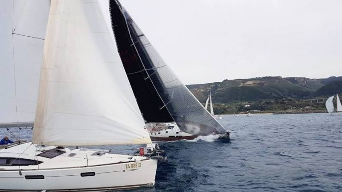 Imbarcazioni nel mare di Tropea
