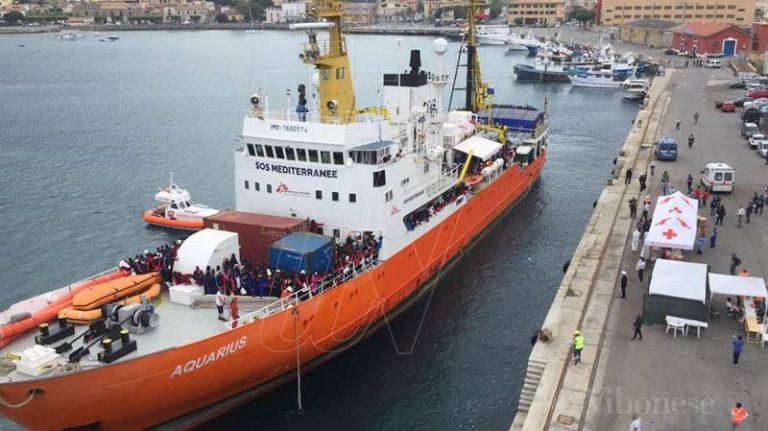 Rifiuti infettivi scaricati anche a Vibo Marina, sequestrata la nave Acquarius – Video