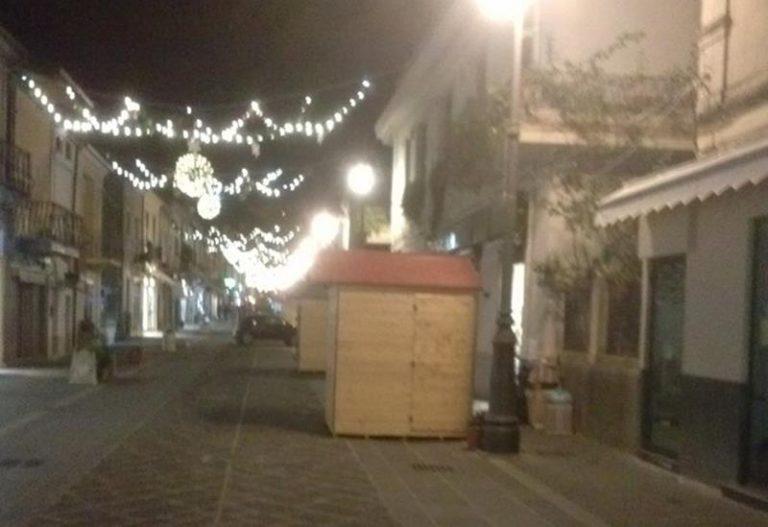 Mercatini di Natale sotto sequestro a Vibo lungo corso Vittorio Emanuele III