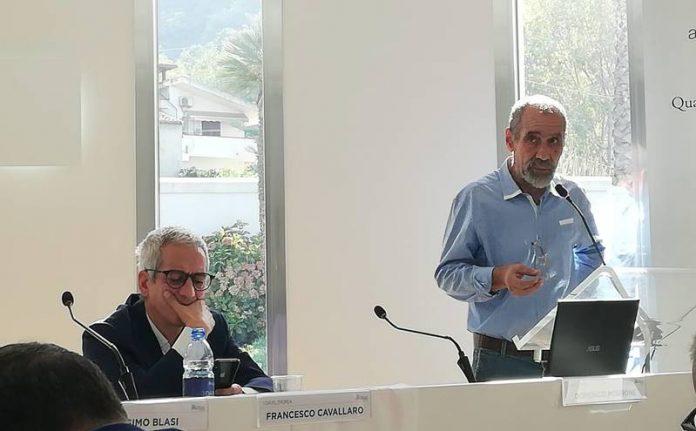 Curtosi (a destra) con il segretario nazionale Cavallaro