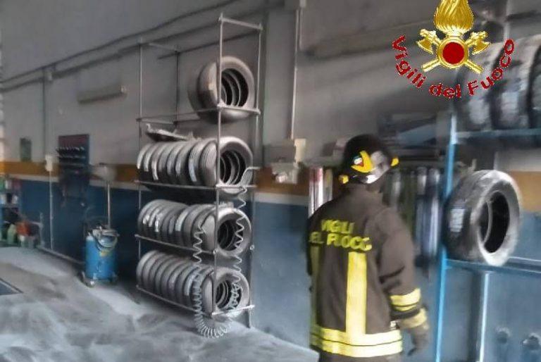 Drapia, incendio divampa in un'autofficina della frazione Sant'Angelo