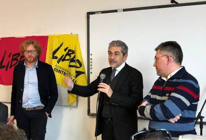 L'intervento del questore Grassi, al suo fianco da destra Borrello e Luzza