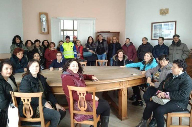Serra San Bruno, gli ex Lsu occupano la Sala Giunta e paralizzano il Comune