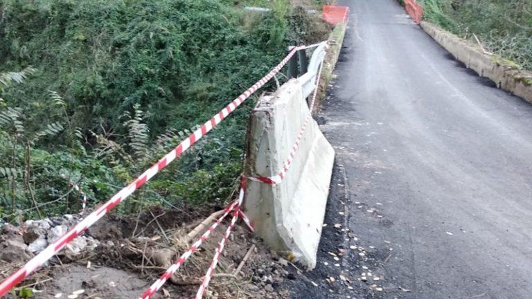 Strada chiusa a Drapia, i cittadini preoccupati: «Lavori procedono con lentezza»