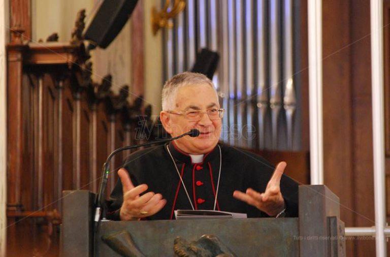 Il messaggio natalizio del vescovo Renzo: «La grotta di Betlemme scuola di spiritualità»