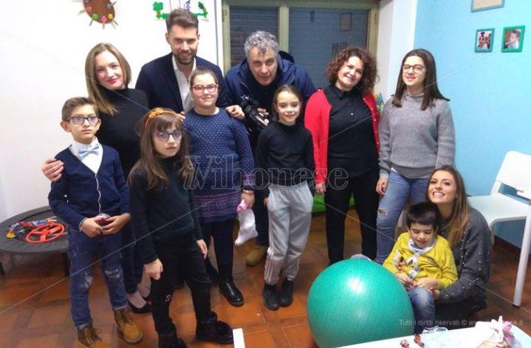 La Befana di LaC Tv regala sorrisi e solidarietà – Video