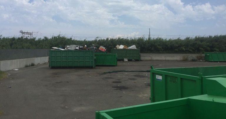 """L'organico diventa indifferenziata, il """"trucco"""" del Comune per smaltire i rifiuti di Portosalvo"""