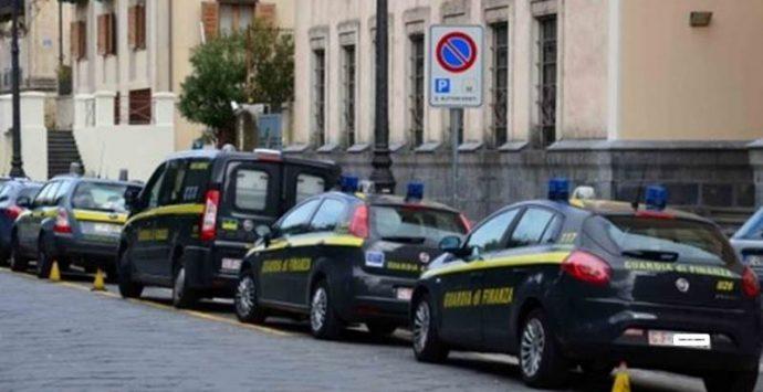 Reddito di cittadinanza a pregiudicati nel Vibonese, 28 indagati