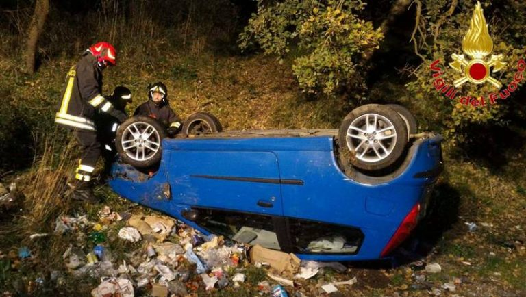 Auto fuori strada nei pressi di Triparni, ferito 37enne di Vibo