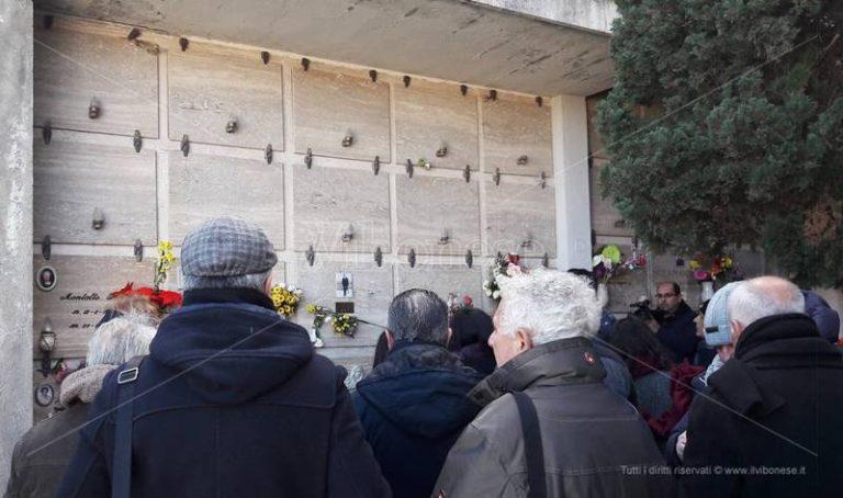 Quei migranti senza nome nel cimitero di Bivona, Libera contro l'oblio della memoria – Video