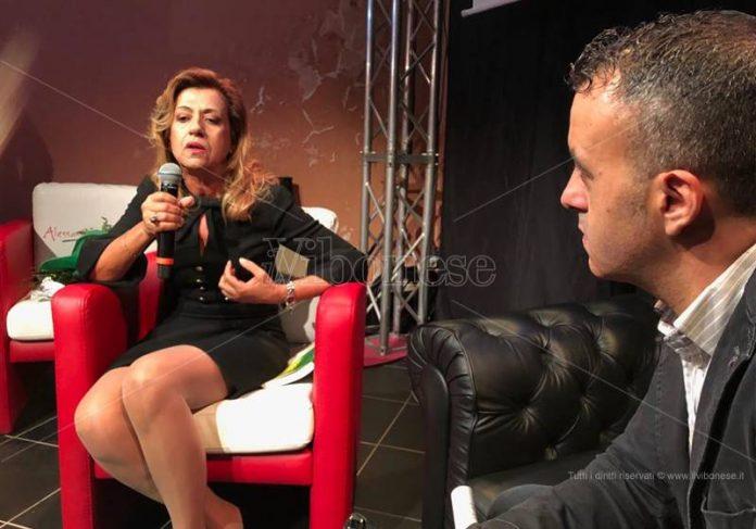 Marisa Manzini durante una presentazione del suo libro
