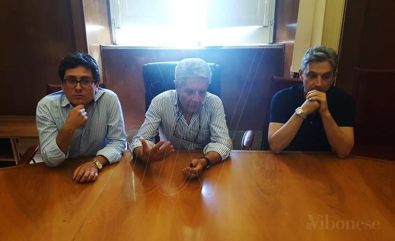 Luciano, Costa e Mangialavori durante il rimpasto in Giunta del 2017