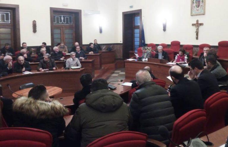 Ato rifiuti di Vibo, Sinistra italiana richiama i sindaci: «Atteggiamento grottesco»
