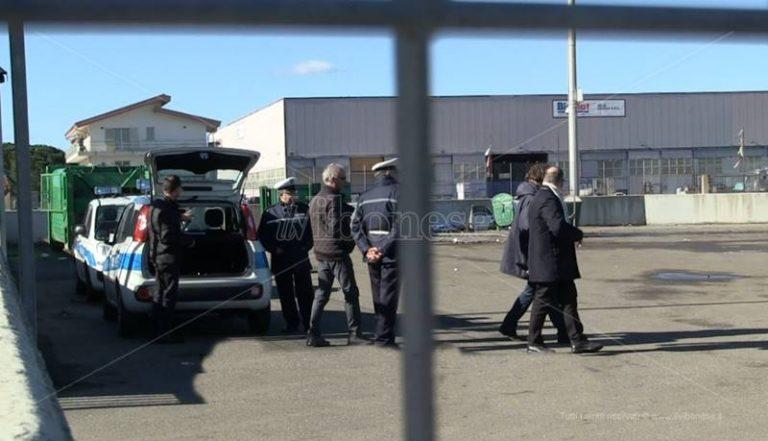 Rifiuti: la polizia municipale di Vibo sequestra l'area in uso alla Dusty a Portosalvo – Video