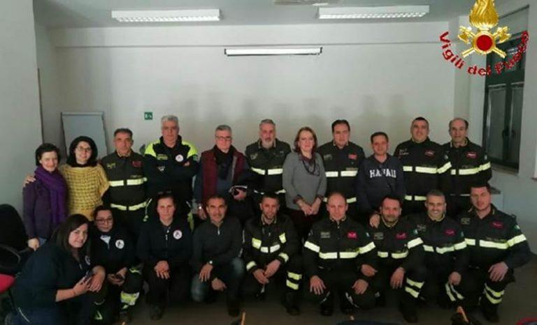 Vigili del fuoco, operatori del 118 e volontari a scuola di soccorso e disabilità a Vibo