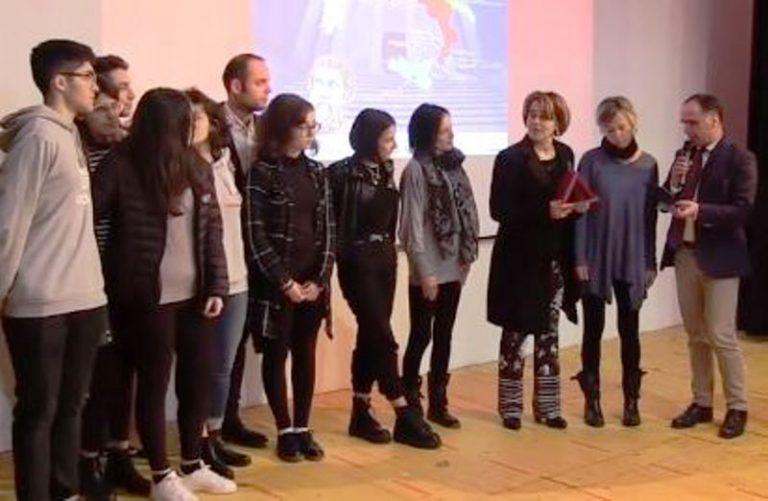 Certamen a Vibo, gli studenti si sfidano a colpi di versioni di latino – Video
