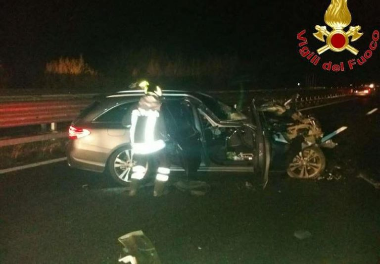 Incidente in autostrada fra Serre e Mileto, feriti i conducenti di due auto