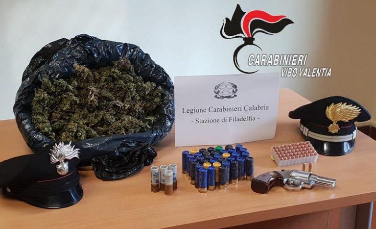 Armi, droga e munizioni trovate dai carabinieri nella zona di Filadelfia