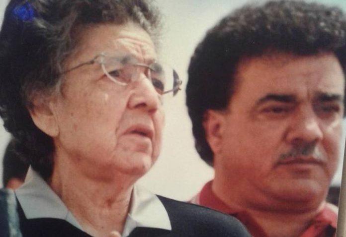 La mistica Natuzza Evolo con il figlio