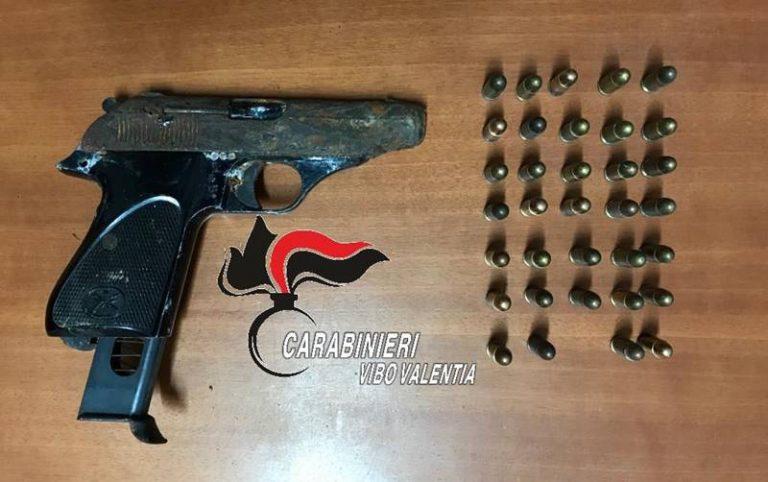 Pistola clandestina in un capanno, assolto 25enne di Nicotera